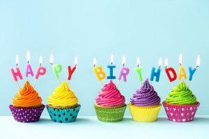 cumpleaños cup cakes